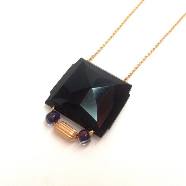 Longueur du collier : 51cm jusqu'à 58cm.